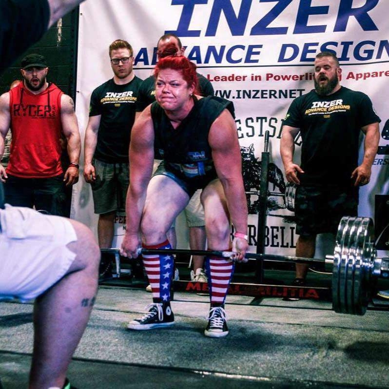 ali crowdus deadlifting
